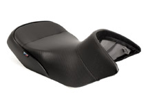 World Sport Performance Seat<br><br>BMW R1200GS/GSA 04+, CarbonFX/Black welt/BMW tag, low version front only.